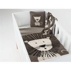 Paturica crosetata pentru casa si excursii 80 x 65 cm Lion Quax