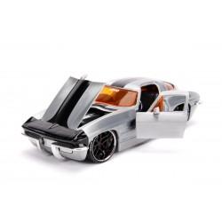 Macheta metalica Chevy Corvette 1963 scara 1:24